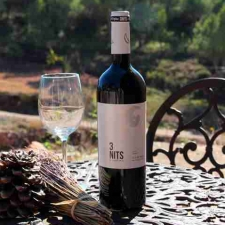 WINES WITH COMMITMENT
